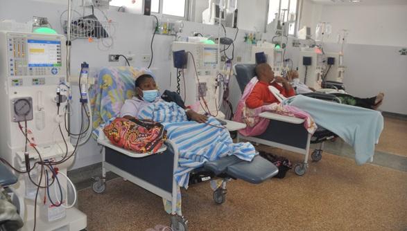salud-falta-personal-en-nefrologia-en-el-seguro-SILVIA-SANTAELLA