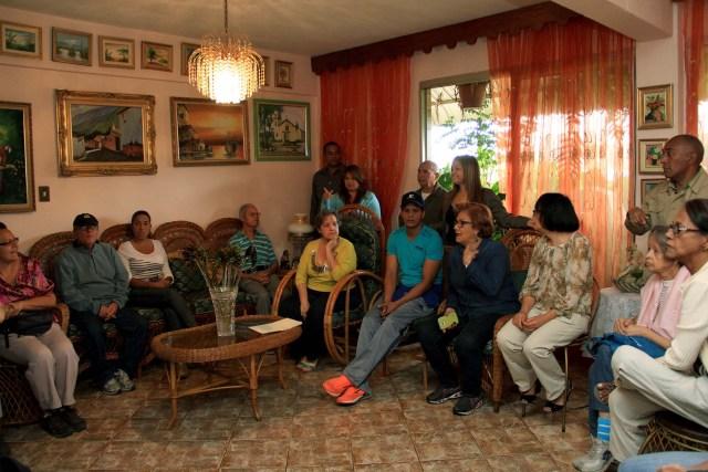 Alcaldesa en desayuno con vecinos de Casalta (1)