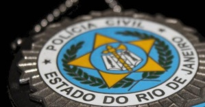 Policía brasileña investiga si bolívares encontrados en Río serían para comprar armas