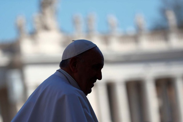 Pope Francis arrives to lead his Wednesday general audience, in Saint Peter's Square, at the Vatican March 15, 2017. REUTERS/Tony Gentile