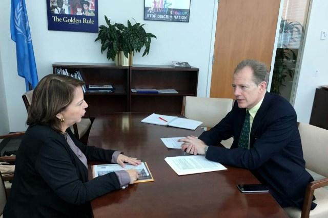 Mitzy Capriles de Ledezma junto al Secretario General de las Naciones Unidas, Andrew Gilmour (2)