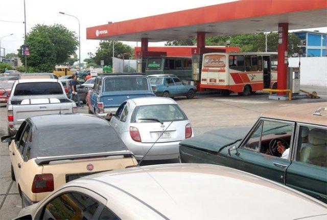 Cola-por-gasolina-barquisimeto