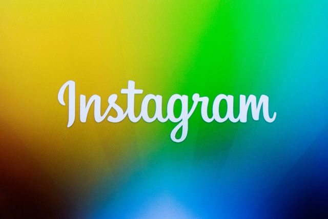 FILE PHOTO - A screen displays the Instagram logo during a presentation in New York December 12, 2013. REUTERS/Lucas Jackson/File Photo
