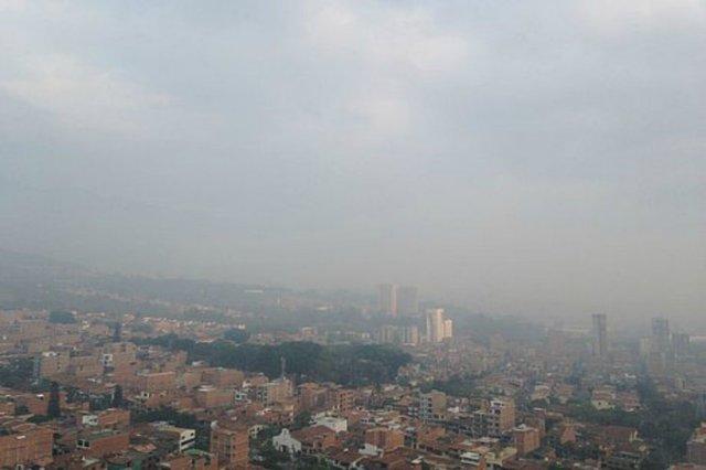 Declaran alerta roja en colombiana Medellín por alto nivel de contaminación