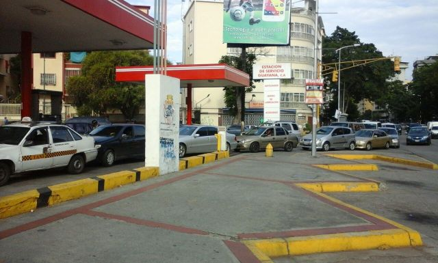 Avenida Victoria de Caracas, 22 de marzo, 4 pm