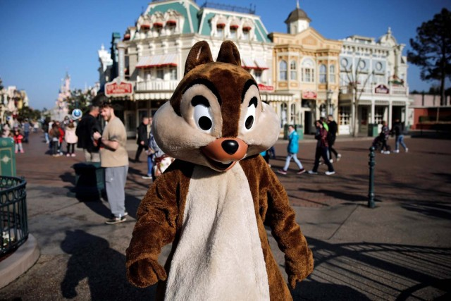 A Chip and Dale Disney character poses for photos in Disneyland Paris ahead of the 25th anniversary of the park in Marne-la-Vallee, near Paris, France, March 16, 2017. Picture taken March 16, 2017. REUTERS/Benoit Tessier