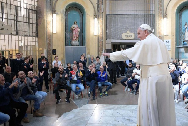 Pope Francis meets with inmates at the San Vittore Prison in Milan, Italy, March 25, 2017.     Osservatore Romano/Handout via Reuters ATTENTION EDITORS - THIS IMAGE WAS PROVIDED BY A THIRD PARTY. EDITORIAL USE ONLY. NO RESALES. NO ARCHIVE.