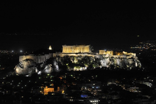 The hill of the Acropolis is pictured before Earth Hour in Athens, Greece, March 25, 2017. REUTERS/Michalis Karagiannis