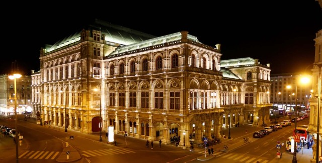 The State Opera house (Staatsoper) is seen before the lights were switched off for Earth Hour in Vienna, Austria, March 25, 2017. REUTERS/Leonhard Foeger