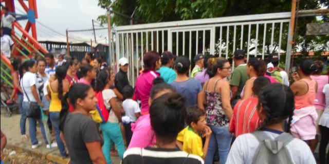 Foto: Protesta en la Escuela Bolivariana Francisca de Paula Briceño estado LAra
