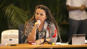 A Iris Varela no se le entiende nada… pero quiso decir algo sobre la insurrección militar en Cotiza (TUIT)