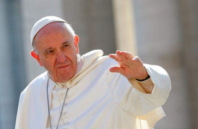 El Papa Francisco en la plaza San Pedro, en el Vaticano.REUTERS/Tony Gentile