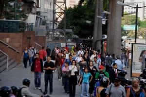 Un 60 % de las jóvenes latinoamericanas, afectadas por informalidad laboral
