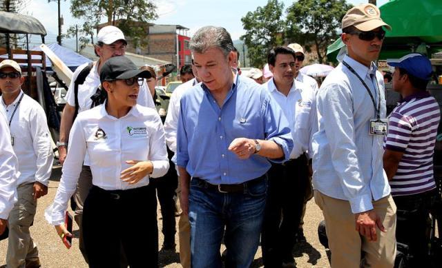 Presidente de Colombia, Juan Manuel Santos visita Mocoa, zona afectadapor la avalancha. Foto: EFE