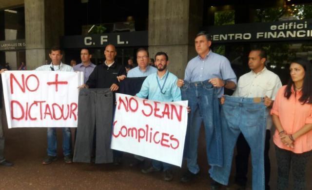 NDP 05.04.17 Alfredo Jimeno Todos a la autopista a exigir la destitución de los magistrados del Tribunal Supremo de Justicia
