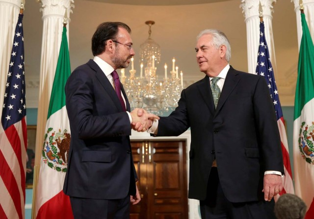 U.S. Secretary of State Rex Tillerson shakes hands with Mexican Foreign Minister Luis Videgaray at the State Department in Washington, U.S., April 5, 2017. REUTERS/Joshua Roberts