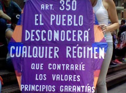 Foto: El Señor del Papagayo dice presente en la marcha de este 10 de abril