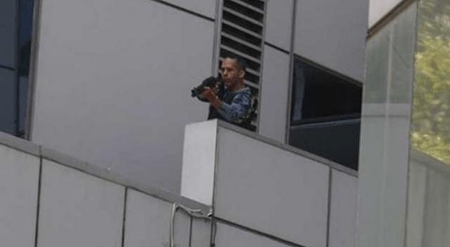 Foto: Francotirador desde el Ministerio de Asuntos Penitenciarios disparó a la concentración en El Rosal