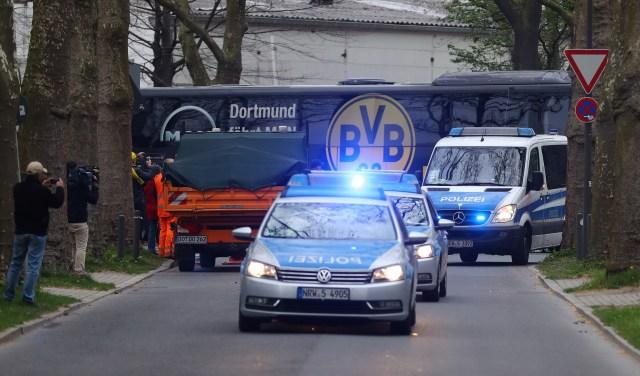 La policía arribando al lugar del ataque en Dortmund. Foto: Reuters / Kai Pfaffenbach Livepic