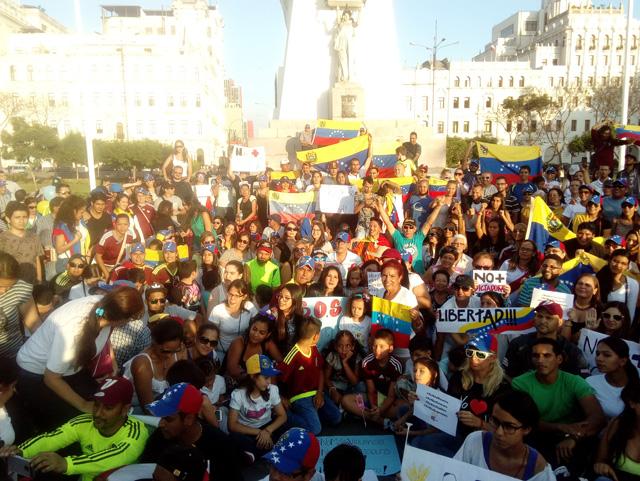 Venezolanos en Lima, Perú protestaron contra el régimen de Maduro