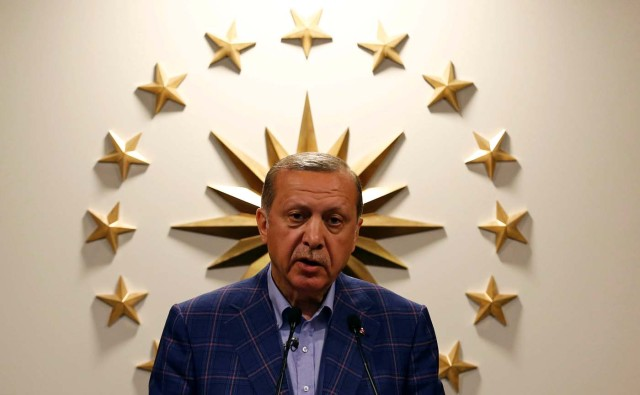 Turkish President Recep Tayyip Erdogan speaks during a news conference in Istanbul, Turkey April 16, 2017. Picture taken April 16, 2017. REUTERS/Murad Sezer     TPX IMAGES OF THE DAY