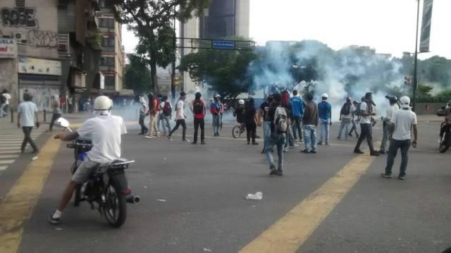 En las adyacencias de la Plaza Francia lanzaron lacrimógenas. Foto: Cortesía