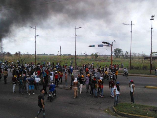Foto: Reportan represión durante manifestación en el estado Barinas