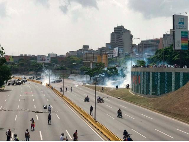 GNB reprimió a manifestantes en Altamira. Foto: @TonnyMateran