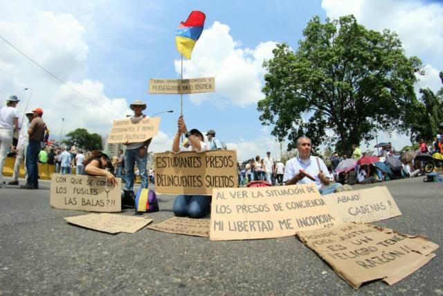 Lo mejor del plantón contra Nicolás en Caracas. Foto: Régulo Gómez / La Patilla