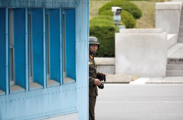 Imagen de archivo de un soldado norcoreano en el pueblo de tregua Panmunjom (Foto: Reuters)