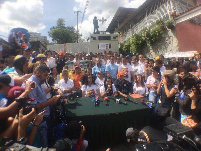 Ramos informó que sesionaron en Ramo Verde por la libertad de los presos políticos. Foto: @hramosallup
