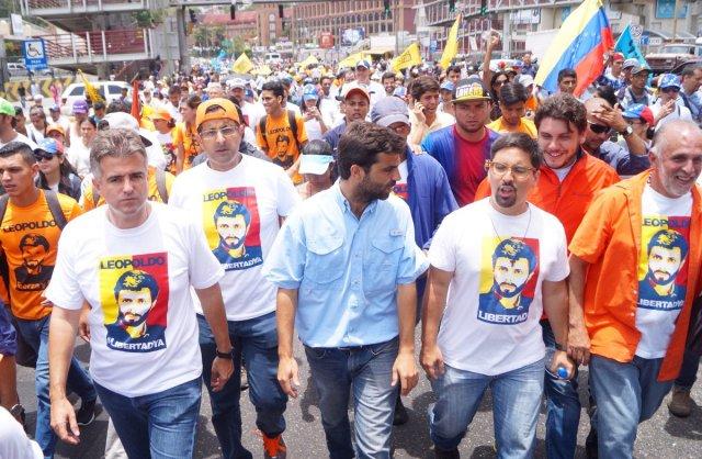 Diputados encabezan la marcha hacia Ramo Verde (Foto Voluntad Popular)