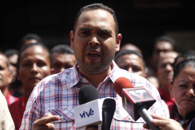 Trabajadores del Metro de Caracas manifestó este martes su rechazo enérgico a las acciones vandálicas ejecutadas por grupos de choque de la derecha en contra de las instalaciones y bienes del subterráneo y del sistema de transporte superficial: Metrobús.~Estacion del Metro de Plaza venezuela. Caracas