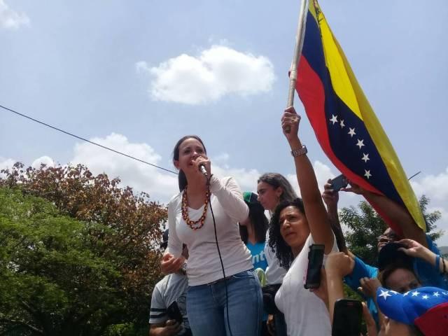 María Corina Machado acompañó este sábado en Valencia la marcha de las mujeres en nombre de la dignidad y los hijos de toda Venezuela