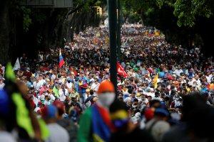 """91 % de los venezolanos marcharán este #23Ene """"porque es su derecho"""" (TWITTERENCUESTA)"""