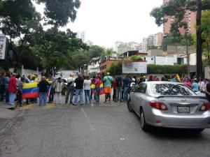 Trancazo vial mantiene cerradas varias calles y avenidas del municipio Sucre