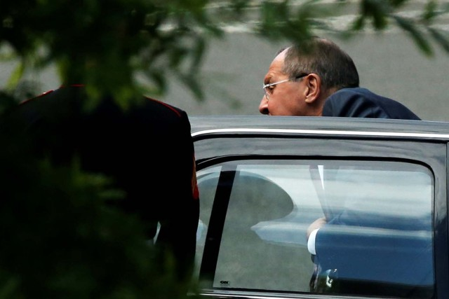Russia's Foreign Minister Sergey Lavrov arrives to meet with U.S. President Donald Trump at the White House in Washington, U.S., May 10, 2017. REUTERS/Jonathan Ernst