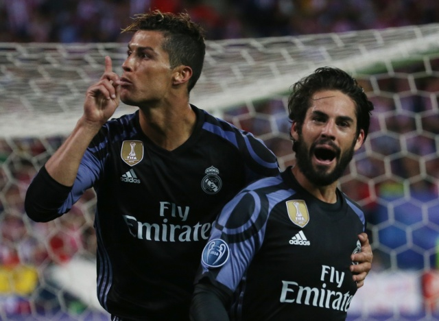 Isco celebra su gol con Cristiano Ronaldo (Foto: Reuters)