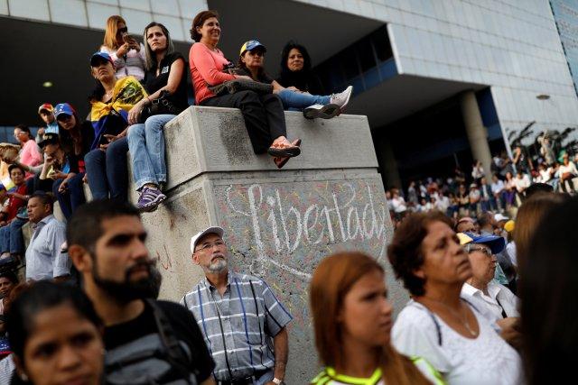 Opositores se concentran en Caracas en honor a los caídos durante protestas Foto: REUTERS/Carlos Garcia Rawlins