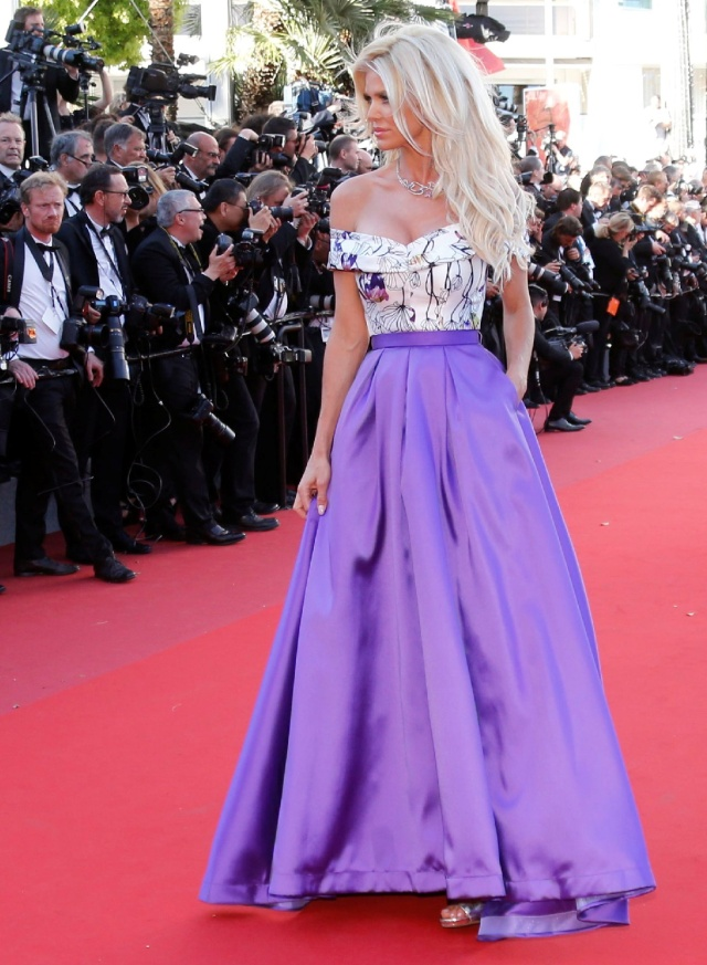 "70th Cannes Film Festival - Screening of the film ""Okja"" in competition - Red Carpet Arrivals- Cannes, France. 19/05/2017. Model Victoria Silvstedt poses. REUTERS/Regis Duvignau"