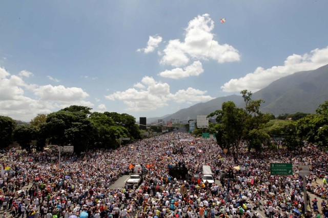 Opposition supporters rally against President Nicolas Maduro in Caracas, Venezuela, May 20, 2017. REUTERS/Christian Veron