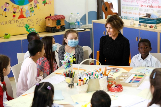 U.S. first lady Melania Trump visits the Bambino Gesu hospital in Rome, Italy, May 24, 2017. REUTERS/Remo Casilli