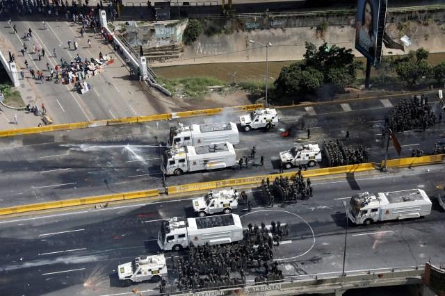 La GN reprimió una vez más la manifestación opositora (Foto: Reuters)
