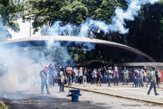 Estudiantes de la UCV fueron fuertemente reprimidos por cuerpos de seguridad del Estado