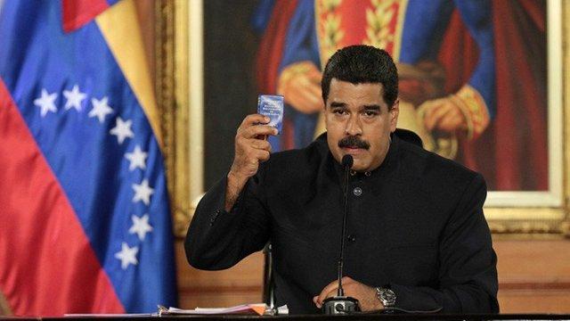 Maduro con Constitución