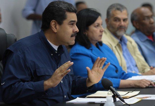 Maduro encabezó una reunión del Consejo de Ministros en Miraflores este martes. Foto: @PresidencialVen