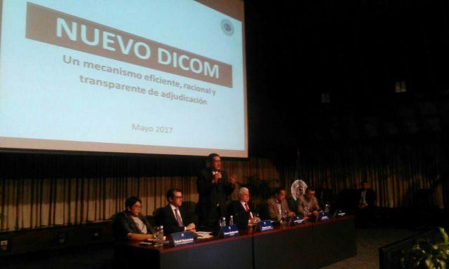 Vicepresidente del Área Económica, Ramón Lobo, explica esquema de funcionamiento del sistema informático del Dicom. (Foto @BCV_ORG_VE)