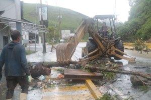 Retiran15 toneladas de escombros en la carretera Panamericana