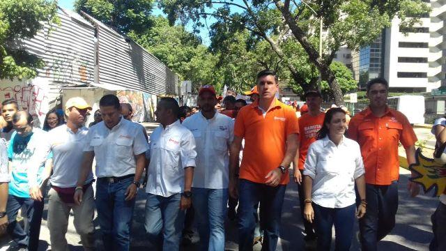 El concejal Edmundo Rada junto al equipo de Voluntad Popular