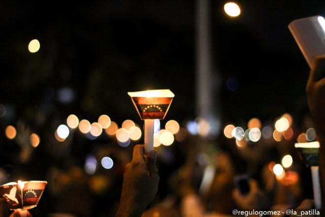 Oposición relizó una vigilia en honor a los caídos en Altamira, Caracas